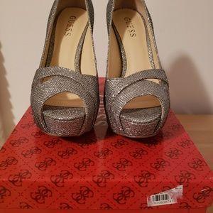 Guess heels - brand new